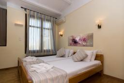 Спальня 2. Греция, Ретимно : Двухуровневый мезонет с гостиной, тремя спальнями, двумя ванными комнатами и балконом с видом на море, 50 метров до пляжа