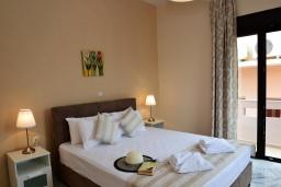 Спальня. Греция, Ретимно : Роскошная апартамент с гостиной, тремя спальнями, двумя ванными комнатами и балконом