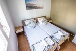 Спальня. Греция,  Ханья : Прекрасный пентхаус 100 метрах от пляжа, с гостиной, отдельной спальней и большой террасой