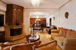 Гостиная. Греция, Бали : Прекрасная вилла с бассейном и видом на море, 2 спальни, 2 ванные комнаты, барбекю, парковка, Wi-Fi