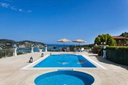 Бассейн. Греция, Бали : Прекрасная вилла с бассейном и видом на море, 2 спальни, 2 ванные комнаты, барбекю, парковка, Wi-Fi