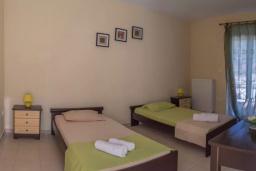 Спальня 2. Греция, Бали : Прекрасная вилла с бассейном и двориком с барбекю, 3 спальни, 2 ванные комнаты, парковка, Wi-Fi