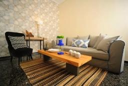 Гостиная. Греция, Ретимно : Апартамент с гостиной, тремя спальнями и балконом