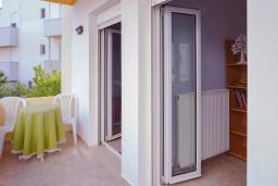 Балкон. Греция, Аделе : Апартамент с гостиной, тремя спальнями и балконом