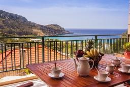 Вид на море. Греция, Фаласарна : Прекрасная вилла с бассейном, зеленым двориком и видом на море, 3 спальни, 2 ванные комнаты, джакузи, барбекю, парковка, Wi-Fi