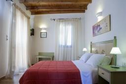 Спальня 2. Греция, Георгиуполис : Уютный каменный дом в комплексе с бассейном, с 2 спальнями, с приватной террасой и барбкю