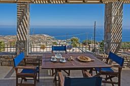 Обеденная зона. Греция, Агия Пелагия : Шикарная вилла с потрясающим панорамным видом на залив Agia Pelagia, с 7 спальнями, с двумя бассейнами, двумя детскими бассейнами, джакузи, барбекю и патио
