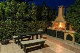 Территория. Греция, Ретимно : Роскошная вилла с видом на море, с 6 спальнями, с бассейном, патио и барбекю, расположена в деревне Roussospiti
