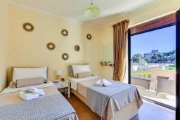 Спальня 3. Греция, Георгиуполис : Роскошная вилла с бассейном и зеленым двориком, 4 спальни, 2 ванные комнаты, парковка, Wi-Fi