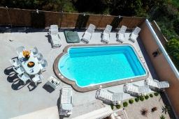 Бассейн. Греция, Коккини Хани : Роскошная вилла с бассейном и двориком с барбекю, 3 спальни, 3 ванные комнаты, парковка, Wi-Fi