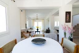 Гостиная. Греция, Коккини Хани : Роскошная вилла с бассейном и двориком с барбекю, 3 спальни, 3 ванные комнаты, парковка, Wi-Fi