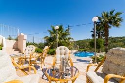 Бассейн. Греция, Коккини Хани : Роскошная вилла с бассейном и зеленым двориком с барбекю, 4 спальни, 4 ванные комнаты, парковка, Wi-Fi