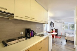 Кухня. Греция, Амудара : Уютная вилла с бассейном, джакузи, барбекю, парковкой, Wi-Fi