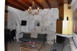 Гостиная. Греция, Аделе : Уютный дом с 3-мя спальнями, двумя ванными комнатами и террасой с прекрасным видом