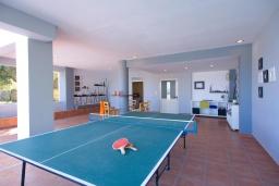 Прочее. Греция, Георгиуполис : Прекрасная вилла с бассейном и двориком с барбекю, 3 спальни, 3 ванные комнаты, настольный теннис, парковка, Wi-Fi