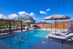 Бассейн. Греция, Малеме : Уютная вилла с бассейном и двориком с барбекю, 3 спальни, парковка, Wi-Fi