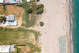 Ближайший пляж. Греция, Ретимно : Роскошная пляжная вилла с бассейном и двориком с барбекю, 3 спальни, 2 ванные комнаты, парковка, Wi-Fi