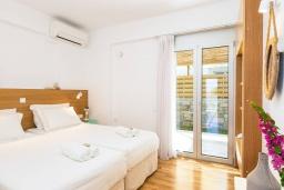 Спальня 2. Греция, Ретимно : Современная вилла в 50 метрах от пляжа с бассейном и джакузи, 2 спальни, барбекю, парковка, Wi-Fi