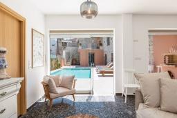 Гостиная. Греция, Аделе : Роскошная вилла с бассейном и двориком с барбекю, 5 спален, 5 ванных комнат, Wi-Fi