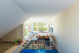 Прочее. Греция, Скалета : Роскошная вилла с большим бассейном и зеленым двориком с барбекю, 5 спален, 2 ванные комнаты, джакузи, детская площадка, парковка, Wi-Fi