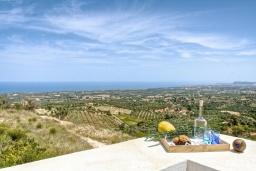Вид на море. Греция, Аделе : Уютная вилла с бассейном и двориком с барбекю, 3 спальни, 2 ванные комнаты, парковка, Wi-Fi