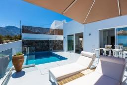 Фасад дома. Греция, Бали : Современная вилла с бассейном и видом на море, 2 спальни, барбекю, парковка, Wi-Fi