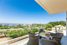 Балкон. Греция, Ретимно : Роскошная вилла с бассейном и зеленом двориком с барбекю, 2 гостиные, 5 спален, 2 ванные комнаты, парковка, Wi-Fi