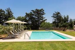 Бассейн. Греция, Панормо : Прекрасная вилла с бассейном, зеленой лужайкой и барбекю, 4 спальни, 4 ванные комнаты, парковка, Wi-Fi