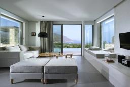 Гостиная. Греция, Киссамос Кастели : Современная вилла с бассейном и видом на море, 3 спальни, 3 ванные комнаты, барбекю, парковка, Wi-Fi