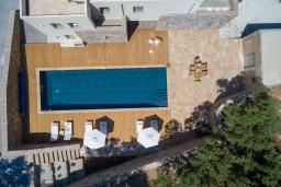 Бассейн. Греция, Милатос : Шикарная вилла с бассейном и двориком с барбекю, 5 спален, 5 ванных комнат, парковка, Wi-Fi
