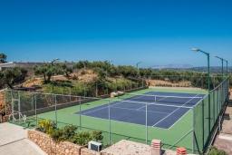 Территория. Греция, Малеме : Роскошная вилла с двумя бассейнами, джакузи, теннисным кортом и двориком с барбекю, 5 спален, 4 ванные комнаты, сауна, парковка, Wi-Fi