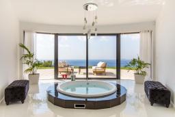 Прочее. Греция, Фаласарна : Шикарная вилла с бассейном, джакузи и видом на море, 3 спальни, 3 ванные комнаты, парковка, Wi-Fi