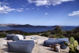 Патио. Греция, Элунда : Роскошная вилла вилла с большим бассейном и видом на море, 8 спален, 8 ванных комнат, патио, барбекю, парковка, Wi-Fi