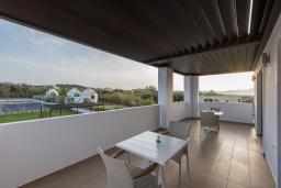 Балкон. Греция, Малеме : Современная вилла в 200 метрах от пляжа с бассейном и видом на море, 6 спален, 6 ванных комнат, теннисный корт, барбекю, парковка, Wi-Fi