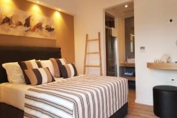 Спальня. Греция, Коккино Хорио : Современная вилла в 300 метрах от пляжа с бассейном и двориком с барбекю, 2 спальни, 2 ванных комнат, парковка, Wi-Fi