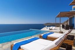 Бассейн. Греция, Ханья : Роскошная вилла с бассейном и шикарным видом на море, 5 спален, 5 ванных комнат, барбекю, парковка, Wi-Fi