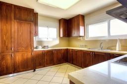 Кухня. Греция, Милатос : Современная вилла с бассейном и двориком с барбекю, 5 спален, 3 ванные комнаты, парковка, Wi-Fi