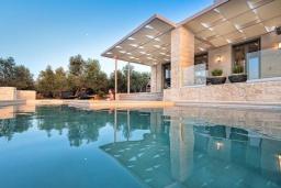 Бассейн. Греция, Малеме : Роскошная вилла с бассейном и зеленым двориком с барбекю, 3 спальни, 3 ванные комнаты, парковка, Wi-Fi