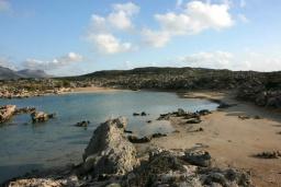 Пляж Аспри Лимни в Ханье