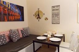 Гостиная. Греция, Керкира : Каменный дом в центре Керкира, 2 спальни, 2 ванные комнаты, терраса, Wi-Fi