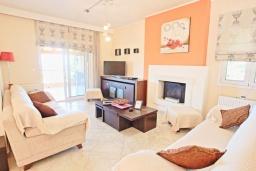 Гостиная. Греция, Сидари : Прекрасная вилла с видом на море, 3 спальни, 2 ванные комнаты, барбекю, парковка, Wi-Fi