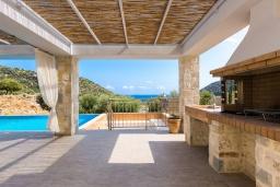 Территория. Греция, Бали : Роскошная вилла с бассейном и двориком с барбекю, 4 спальни, 3 ванные комнаты, парковка, Wi-Fi