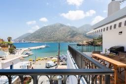 Вид на море. Греция, Бали : Пляжный дом с барбекю и шикарным видом на море, 4 спальни, 2 ванные комнаты, Wi-Fi