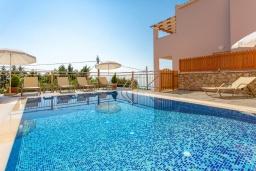 Бассейн. Греция, Барбати : Современная вилла с бассейном и шикарным видом на море, 3 спальни, 3 ванные комнаты, барбекю, парковка, Wi-Fi