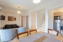 Гостиная. Греция, Барбати : Прекрасная вила с бассейном и видом на море, 3 спальни, 3 ванные комнаты, барбекю, парковка, Wi-Fi
