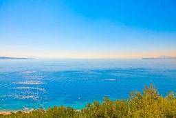 Вид на море. Греция, Кроузери : Прекрасная вилла с бассейном, двориком с барбекю и видом на море, 2 гостиные, 3 спальни, 3 ванные комнаты, парковка, Wi-Fi