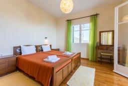 Спальня 2. Греция, Гимари : Уютный дом с видом на море, 2 спальни, парковка, Wi-Fi
