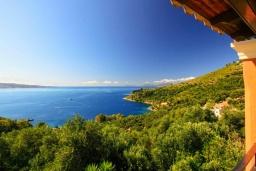 Вид на море. Греция, Айос Стефанос : Прекрасная вилла с бассейном, двориком с барбекю и видом на море, 4 гостиные, 10 спален, 6 ванных комнат, парковка, Wi-Fi