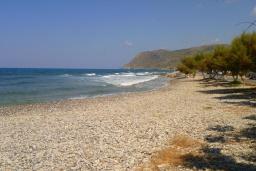 Пляж Милатос в Айос Николасе