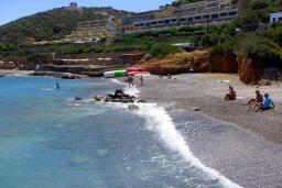 Пляж Листи Спилиос в Айос Николасе